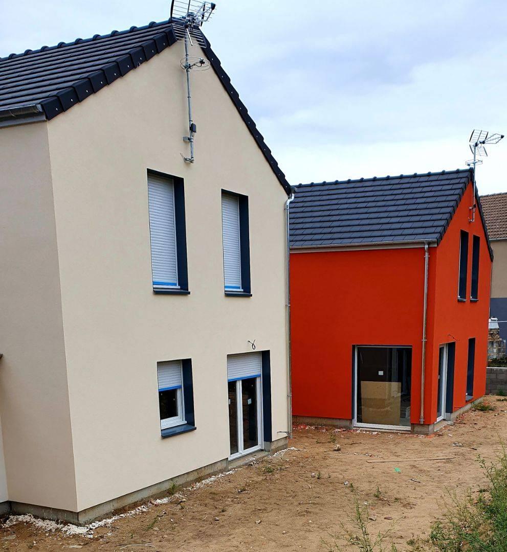 Pose Enduit De Facade Monocouche réalisation d'un enduit projeté monocouche sur une maison à